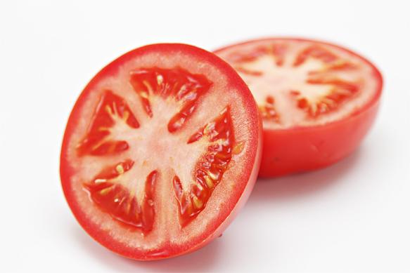 """Đột phá với cách trị mụn bọc bằng cà chua gây """"sốt"""" 2"""