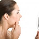 Mọc mụn ở tai cần làm gì? Mách bạn cách trị mụn trong tai hiệu quả nhất