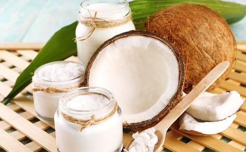 trị mụn bọc bằng dầu dừa 2